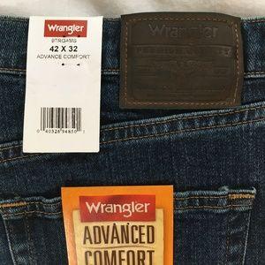 Wrangler Advanced Comfort Regular Fit